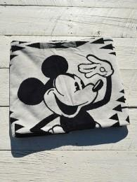 Jacquard SPA Towels Featuring Mickey Mouse